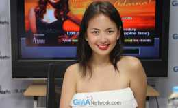 Behind the scenes at the GMANetwork.com Live Chat with Ellen Adarna