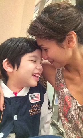 the_mother-son_tandem_we_can_t_get_over__jennylyn_and_jazz_the_mother-son_tandem_we_can_t_get_over__jennylyn_and_jazz_1429776004.jpg