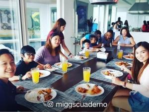 'Poor Señorita' stars, nag-bonding sa bahay ni Regine Velasquez
