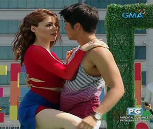Aljur Abrenica dances with Kylie Padilla on 'Sunday All Stars'