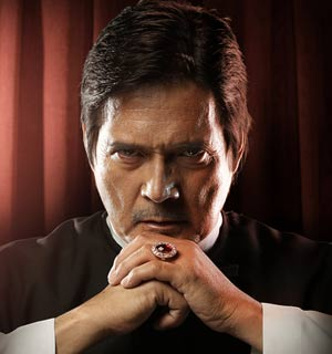 Alpha male 'General' Roi Vinzon dons priestly robes in 'Katipunan'