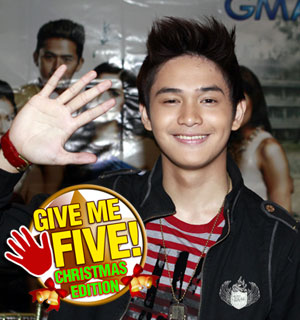 GIVE ME FIVE featuring Ruru Madrid (Christmas Edition)