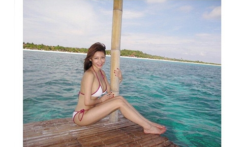 Are Rufa mae quinto in a thong bikini apologise