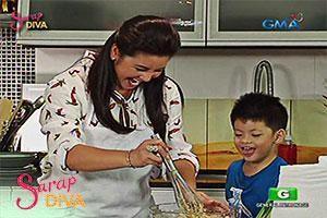 Sarap Diva: Regine Velasquez bakes a fruitcake!