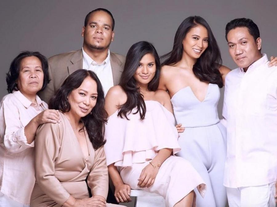 Gloria Diaz Family