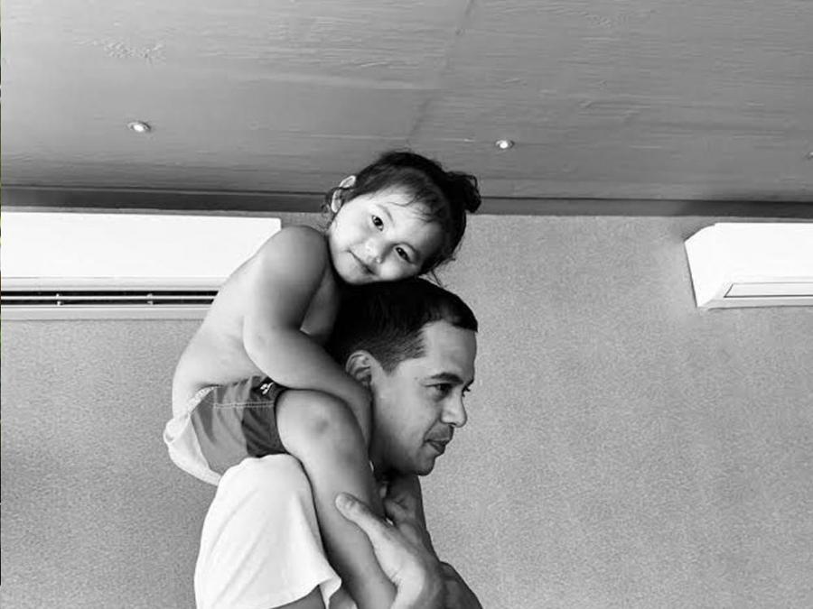 LOOK: Tender moment between John Lloyd Cruz and son, Elias - GMA Network