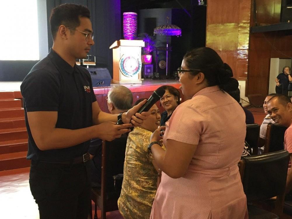 GMA Network Excellence Award Ambassador and actor Benjamin Alves shares tips on pursuing academic excellence at the Kapuso Campus Tour: The Regional Masterclass Series.
