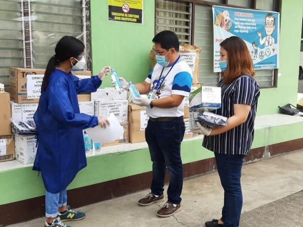 Protective supplies na hatid ng GMA Kapuso Foundation