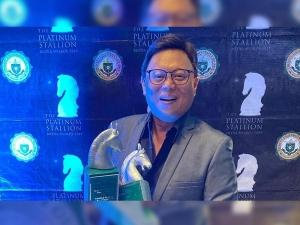 Arnold Clavio and other Super Radyo DZBB hosts in 2019 Platinum Stallion Media Awards